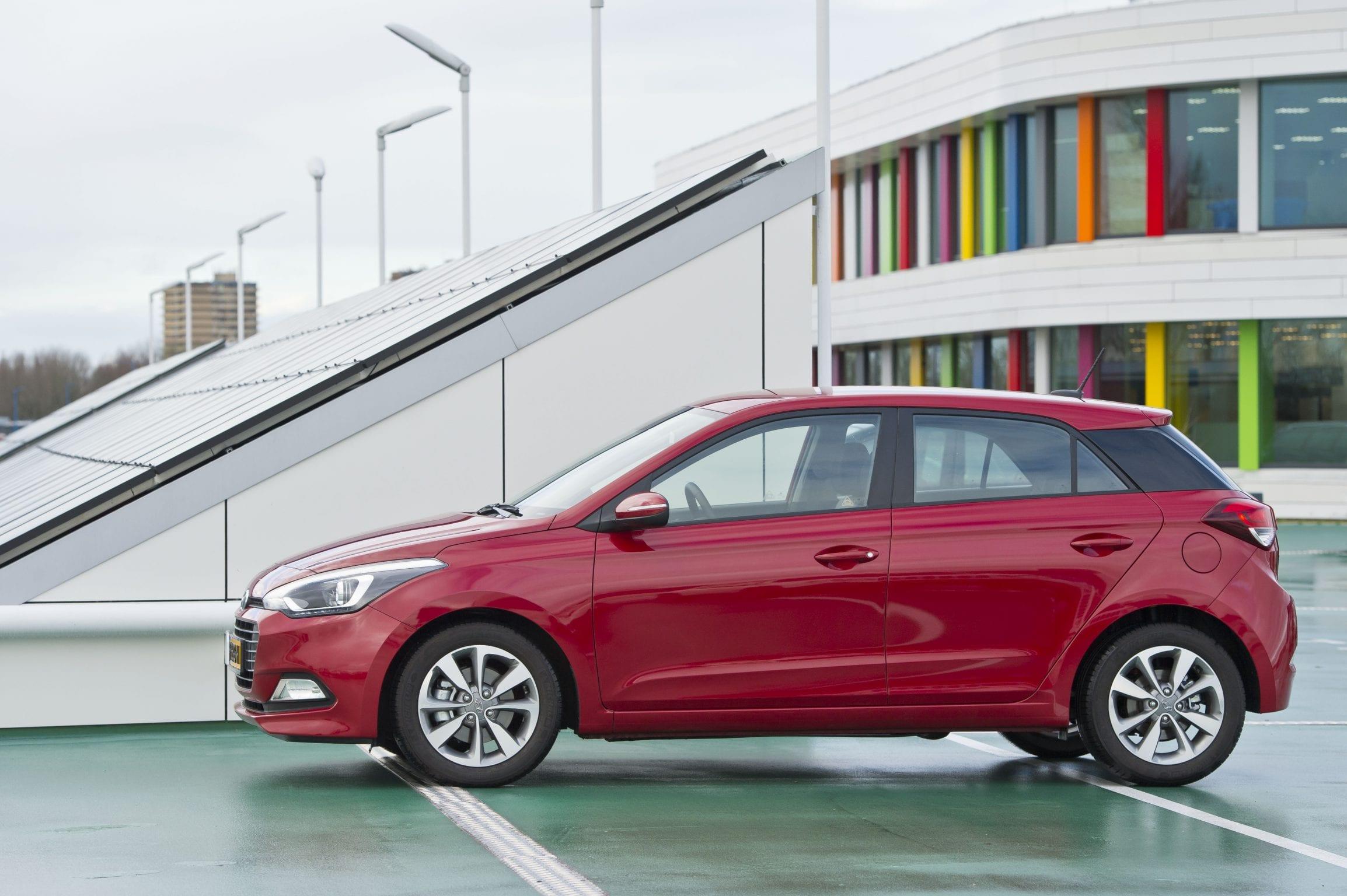 Hyundai i20 in actie bij Dijksman