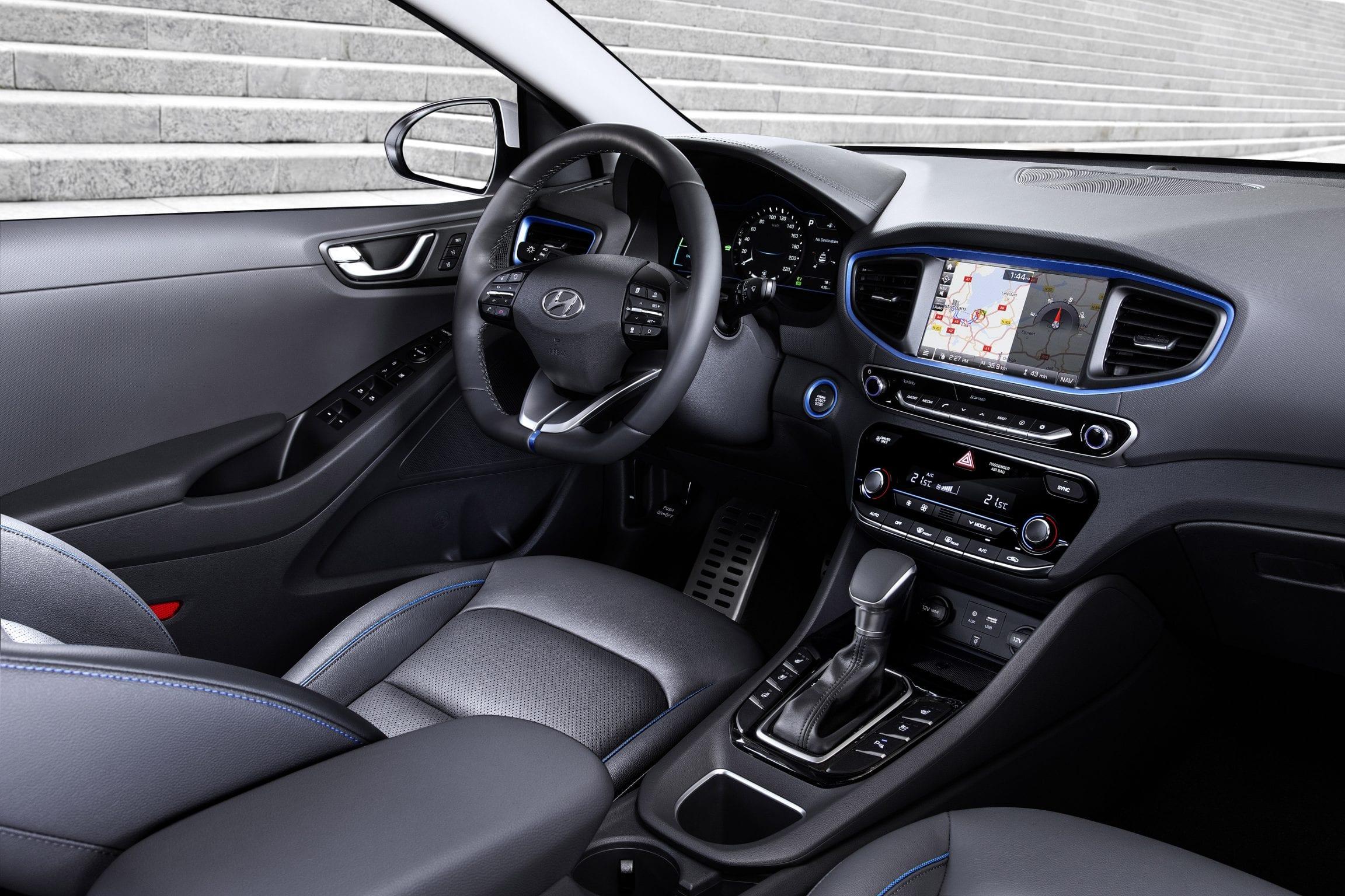 Hyundai Ioniq Hybrid of Plug-in Hybrid